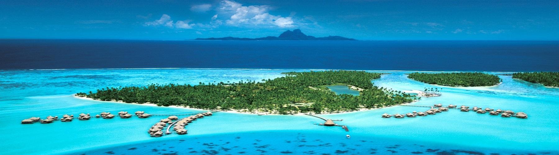 Путешественникам в отелях Французской Полинезии предлагаются роскошные бунгало с соломенной крышей